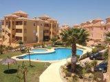 Se alquila duplex de 3 dormitorios en Complejo de Golf, Vera, RD421